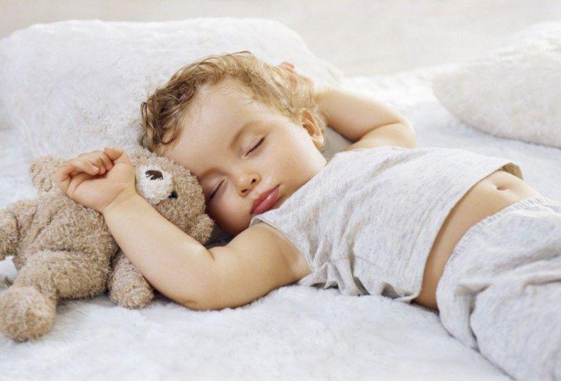 Хотите, чтоб ребенок не толстел — пусть дольше спит