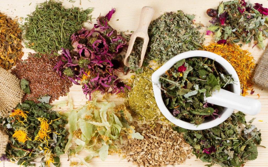 Помним, есть опасные сочетания лекарственных трав и противопоказания