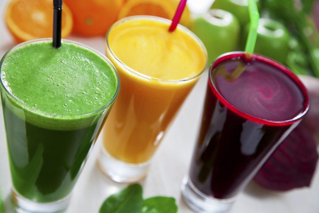Топ-10 самых полезных напитков лета