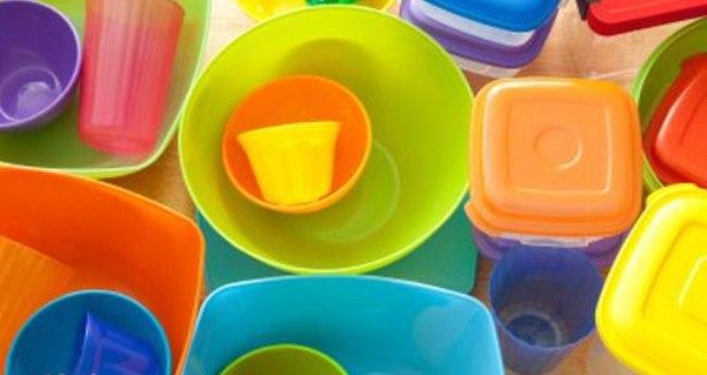 Пластиковая посуда: красивая, удобная и… коварная