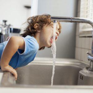 filtr umyagcheniya vody dlya doma i kvartiry